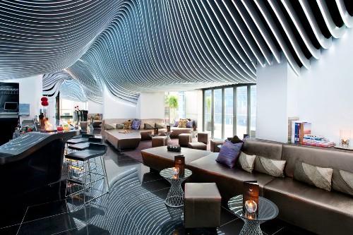 O bar com terraço Living Room Bar