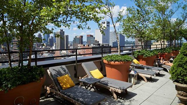 O bar com terraço The Sky Terrace