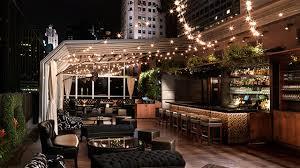 O bar com terraço Upstairs at the Kimberly